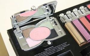 Clin d'oeil aux noeuds Fontanges pour la palette Trianon de Dior