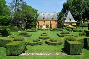 Le manoir et le classicisme des jardins à la française