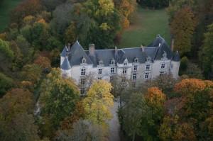 Le spa est dans une dépendance du Château de Villeray