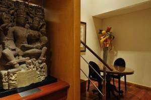 Les arts hindouistes et bouddhistes sont aussi présents