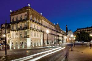 Façade de l'hôtel Intercontinental de Porto idéalement situé en centre ville pour profiter des festivités