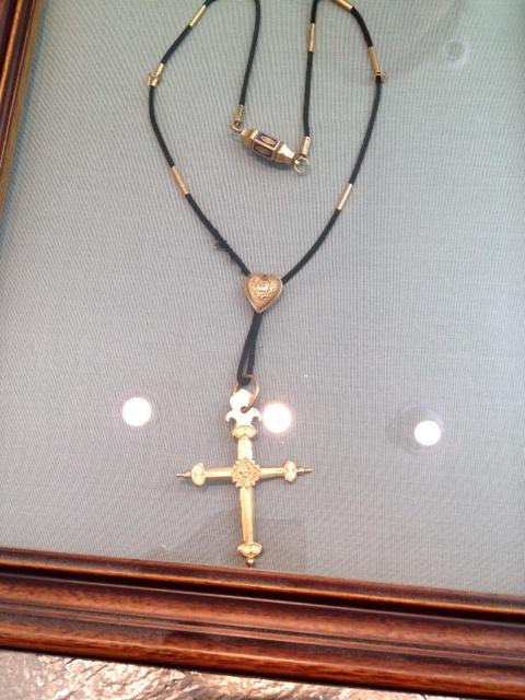 Cette croix ancienne est encore très prisée dans les Hautes Alpes