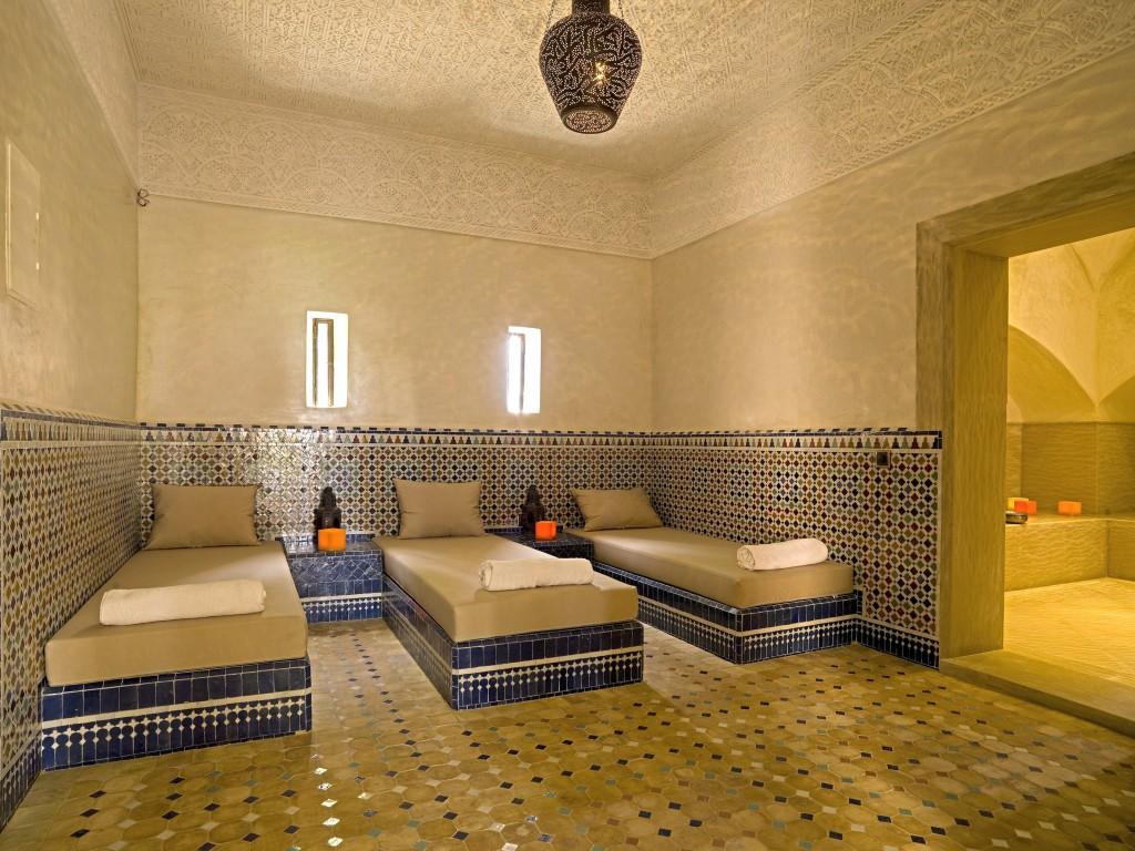 Un très bel hammam et sa salle de massage