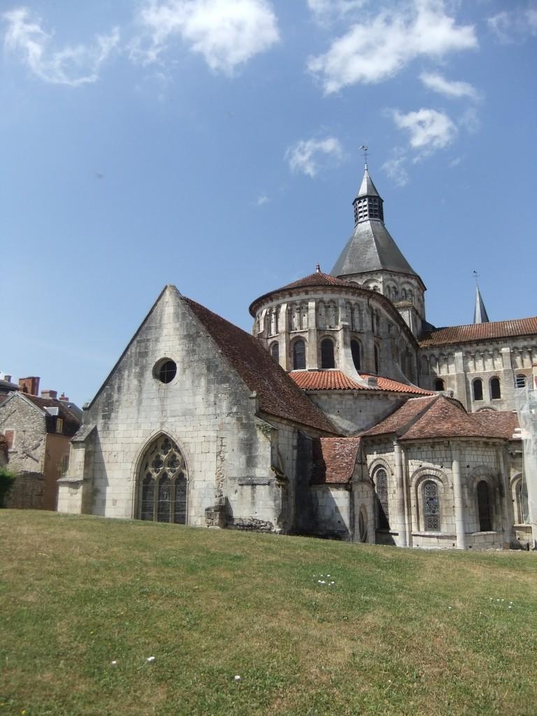 Vue globale sur l'église Notre Dame