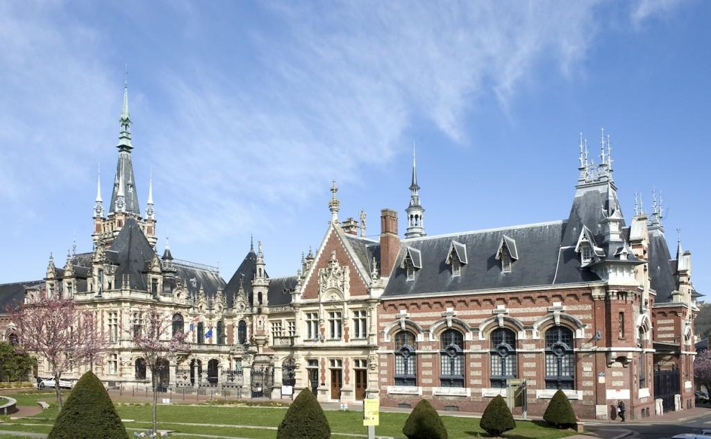 Le palais inspiré par Viollet -Le-Duc