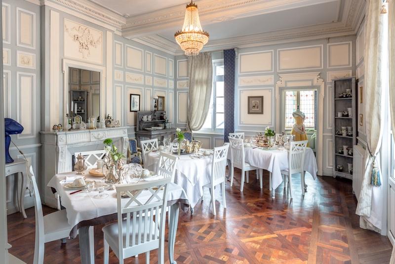 La salle à manger pour le petit déjeuner