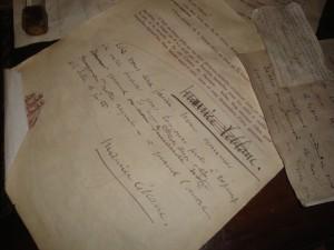 Manuscrits et lettres de l'écrivain M Leblanc