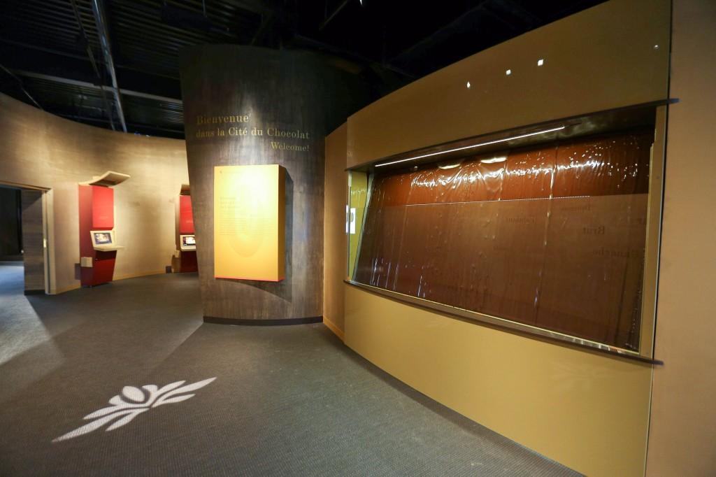 Un mur de chocolat coule en permanence à l'entrée