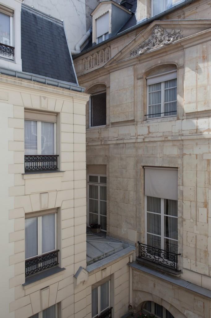 La façade de l'architecte Gittard vue du patio intérieur