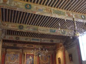 La beauté des plafonds peints du Parlement