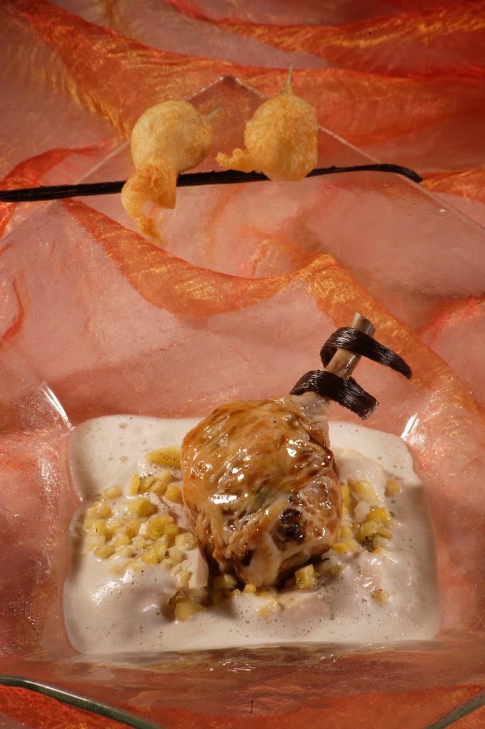 Volaille de Bresse et caramel de cèpes, os à moelle et yuzu