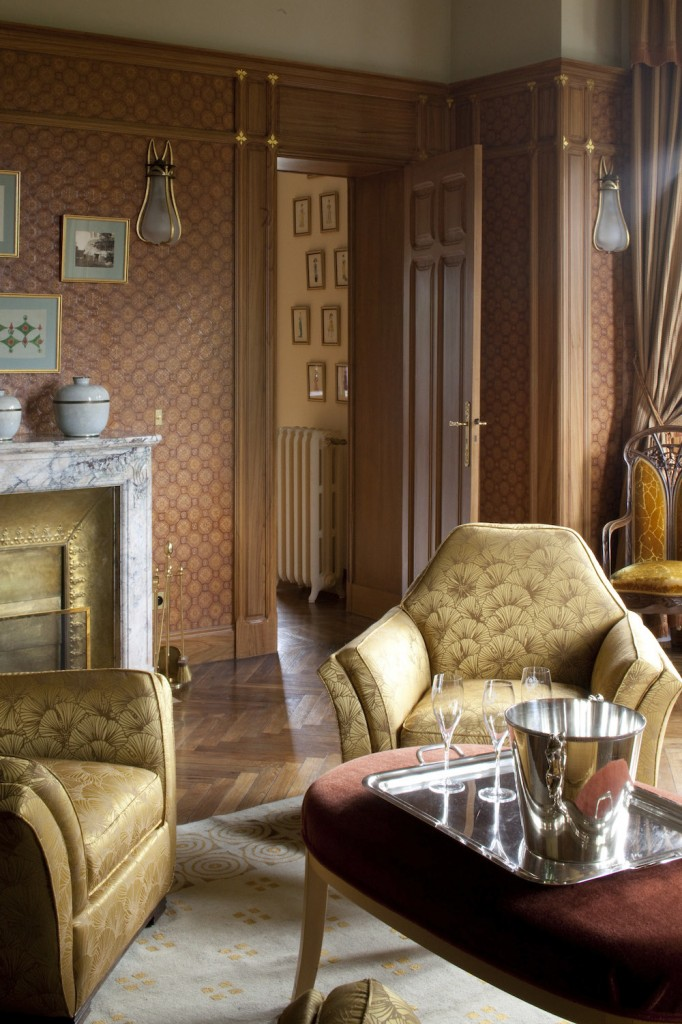Tout l'intérieur a été remeublé en Art Nouveau