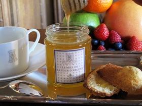 Chicissime miel de La Tour d'Argent récolté en face des tours de Notre Dame de Paris