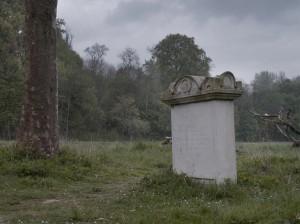 Le tombeau du peintre Meyer ( cliché Tezenas)