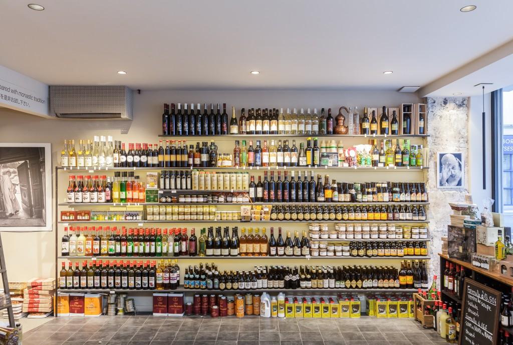 Bières, vins, huiles d'olive et cires : un certain nombre de liquides fabriqués dans les abbayes et les monastères