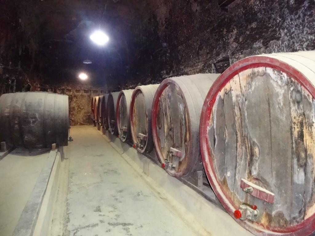 Les caves servent au stockage des vins du Val de Loire
