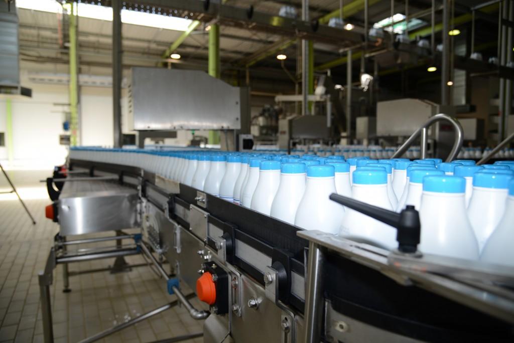 Embouteillage de la laiterie SFPL (groupe Lactinov à Abbeville)