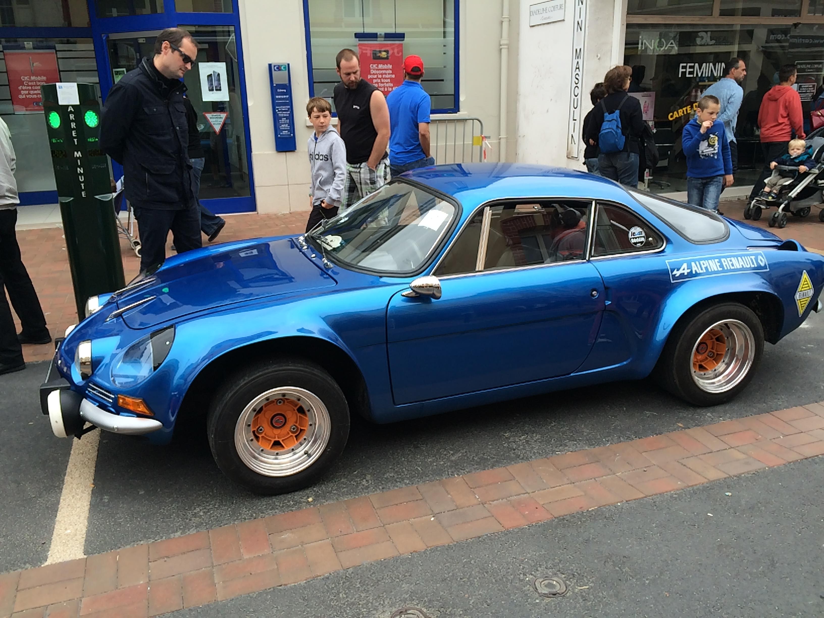 L 39 evasion des sens vieilles voitures en normandie for Salon vieilles voitures