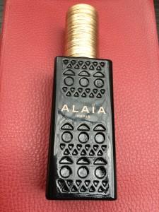 L'ajouré d'Alaïa sur le flacon