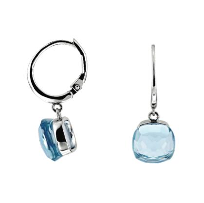 Des boucles d'oreilles pendantes oxyde bleu clair à 89 €