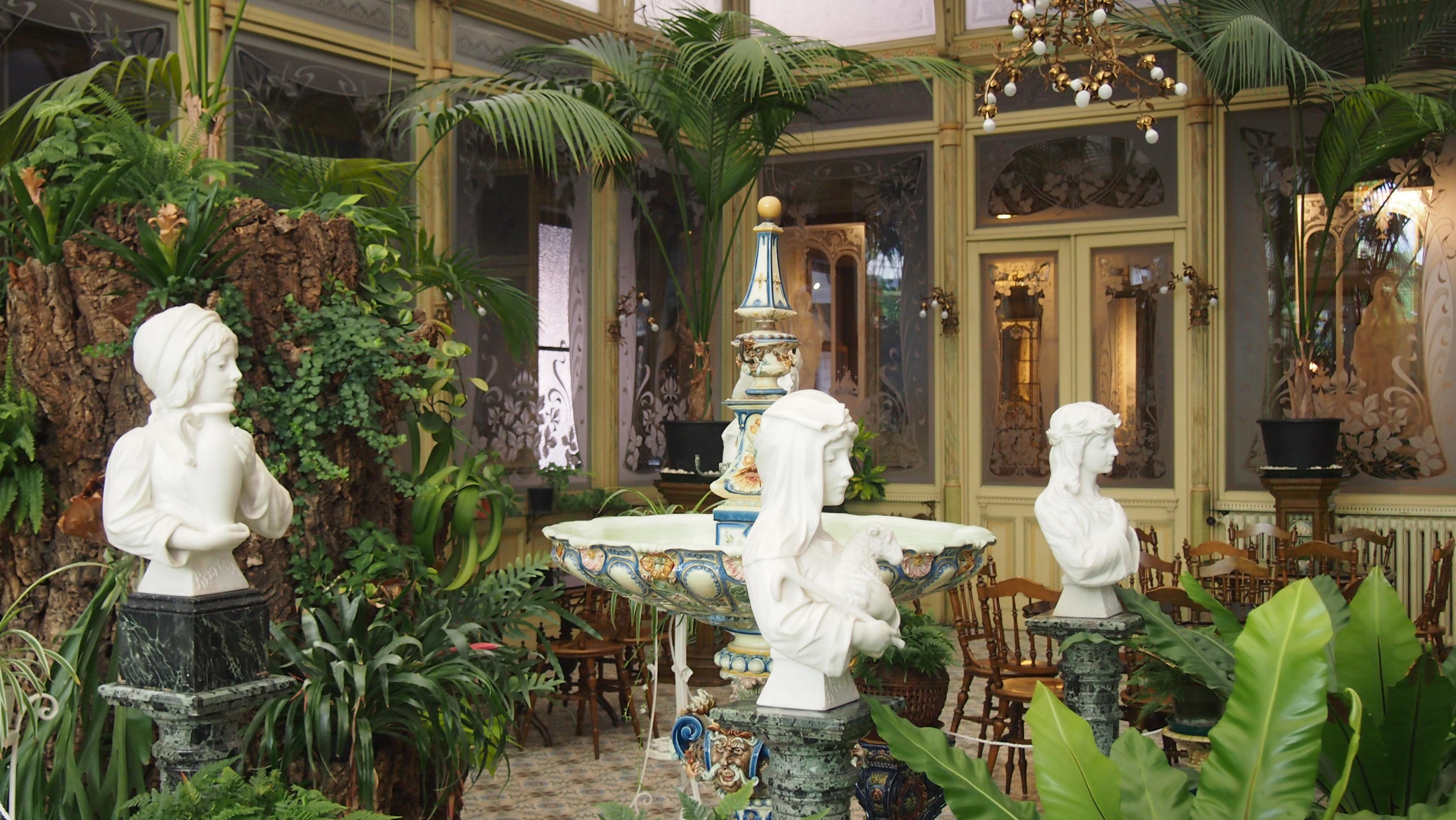 L 39 evasion des sens en belgique l institut des ursulines for Le jardin interieur