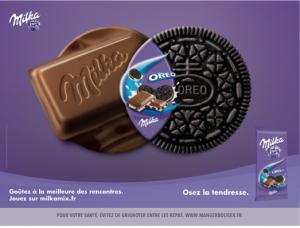 Une tablette avec biscuit Oréo incrustée chez Milka