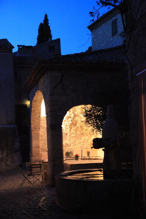 Séguret, un beau village de France