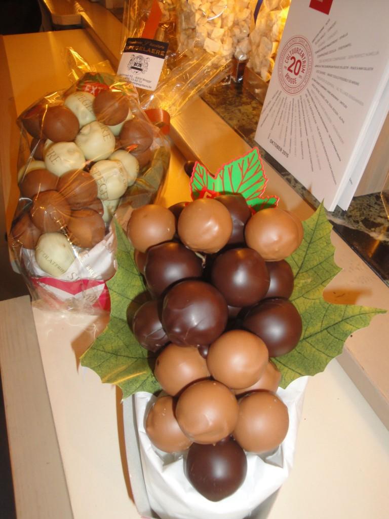 Les raisins en chocolat fourrés de massepain ou de praliné