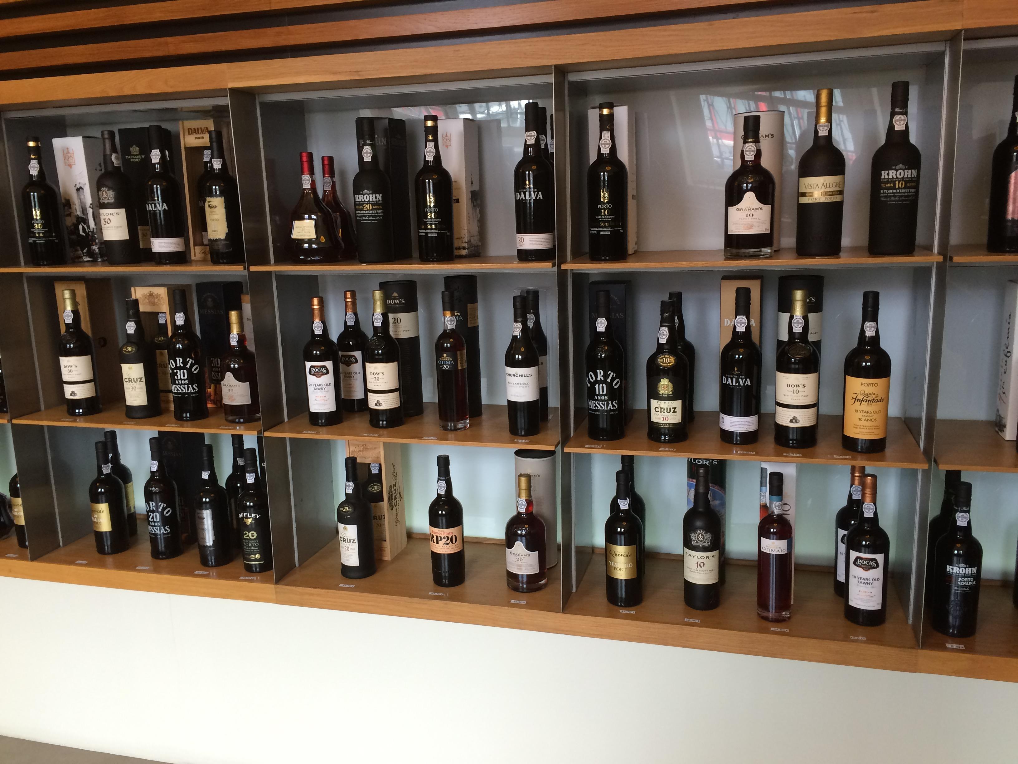 Variété des portos exposée à l'Institut des Vins du Douro et du Porto