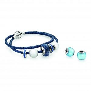 Avec 1, 2, 3 , 4 charms.. ..le charme de Pandora