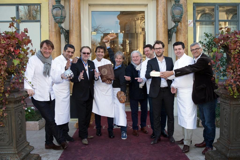 De grands chefs parisiens devant Ledoyen