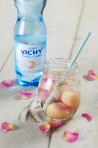 Cocktail au litchi à l'eau de Vichy Célestins