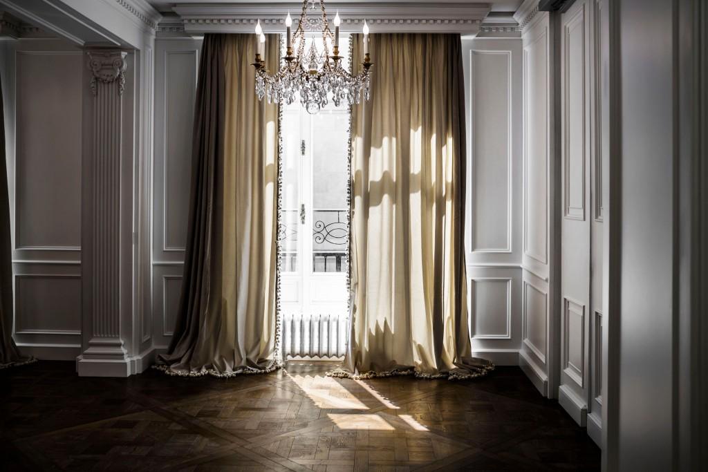 Parquets à la Versailles et lustres en cristal