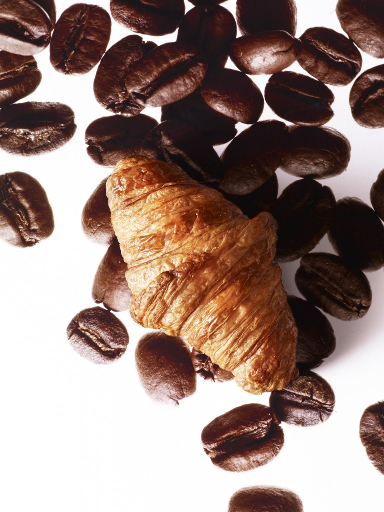 Croissant au café