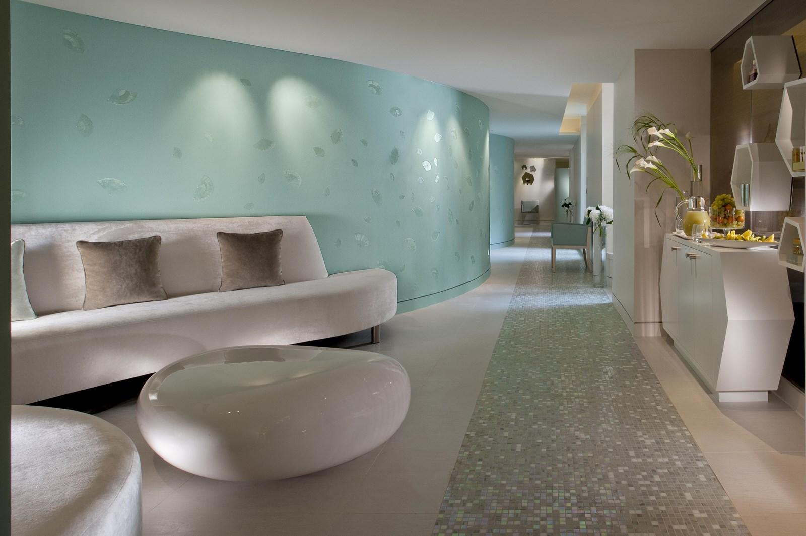 Couloir du spa du Meurice