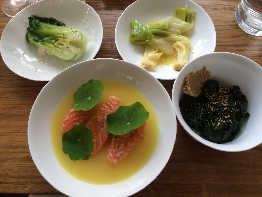 Saumon et légumes variés