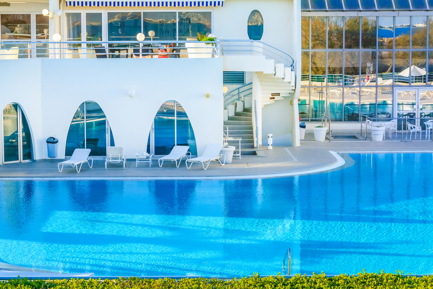 L 39 evasion des sens la thalasso spa de la grande motte for Thalasso quiberon piscine