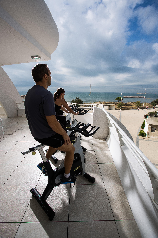 Une activité annexe: du vélo en terrasse au soleil