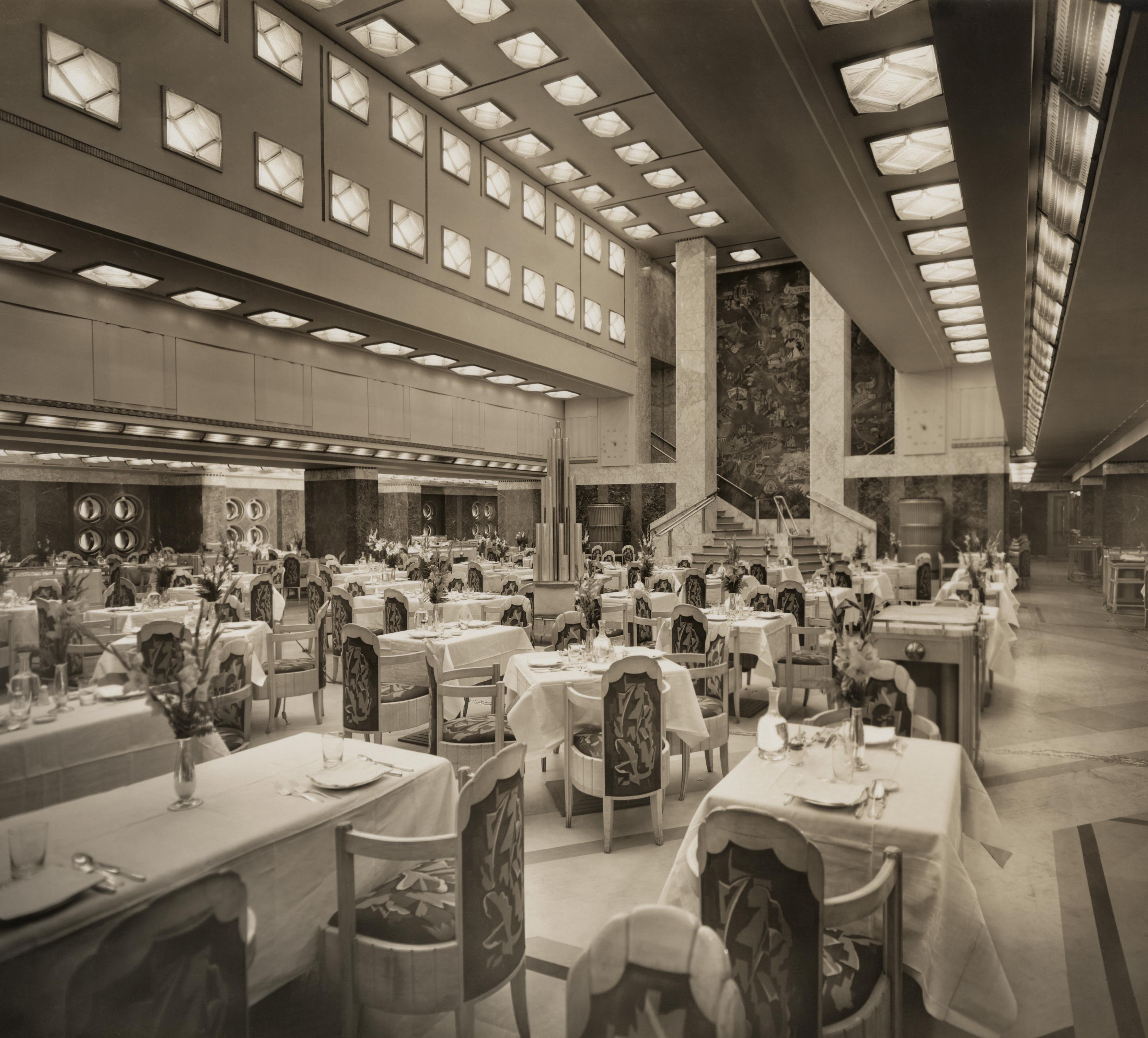 Byron Company salle à manger en 1 ère du paquebot Ile de France