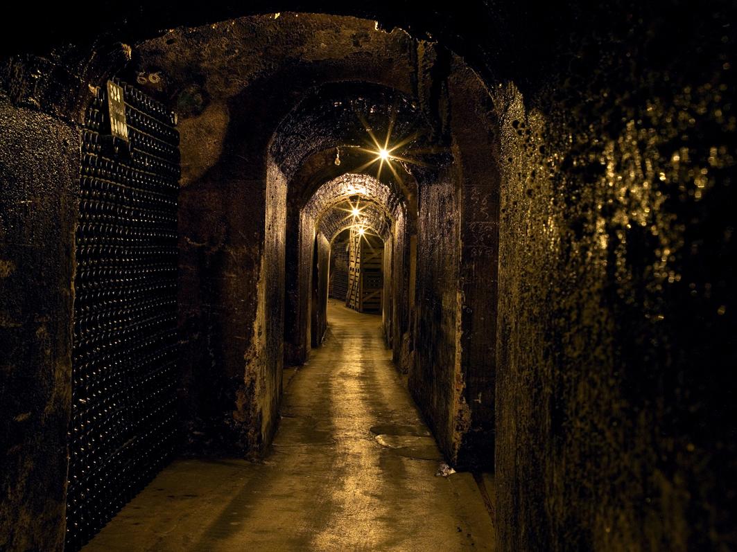 Le couloir des caves