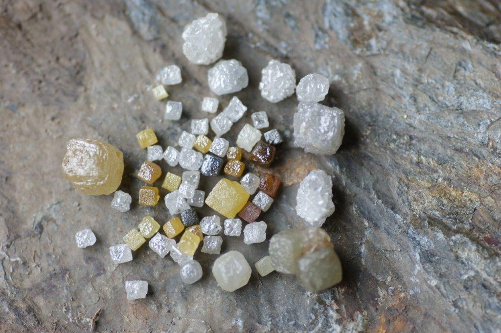 Les diamants bruts