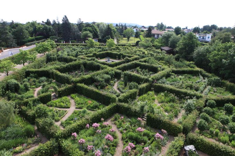 le parcours labyrinthique du château St Bernard