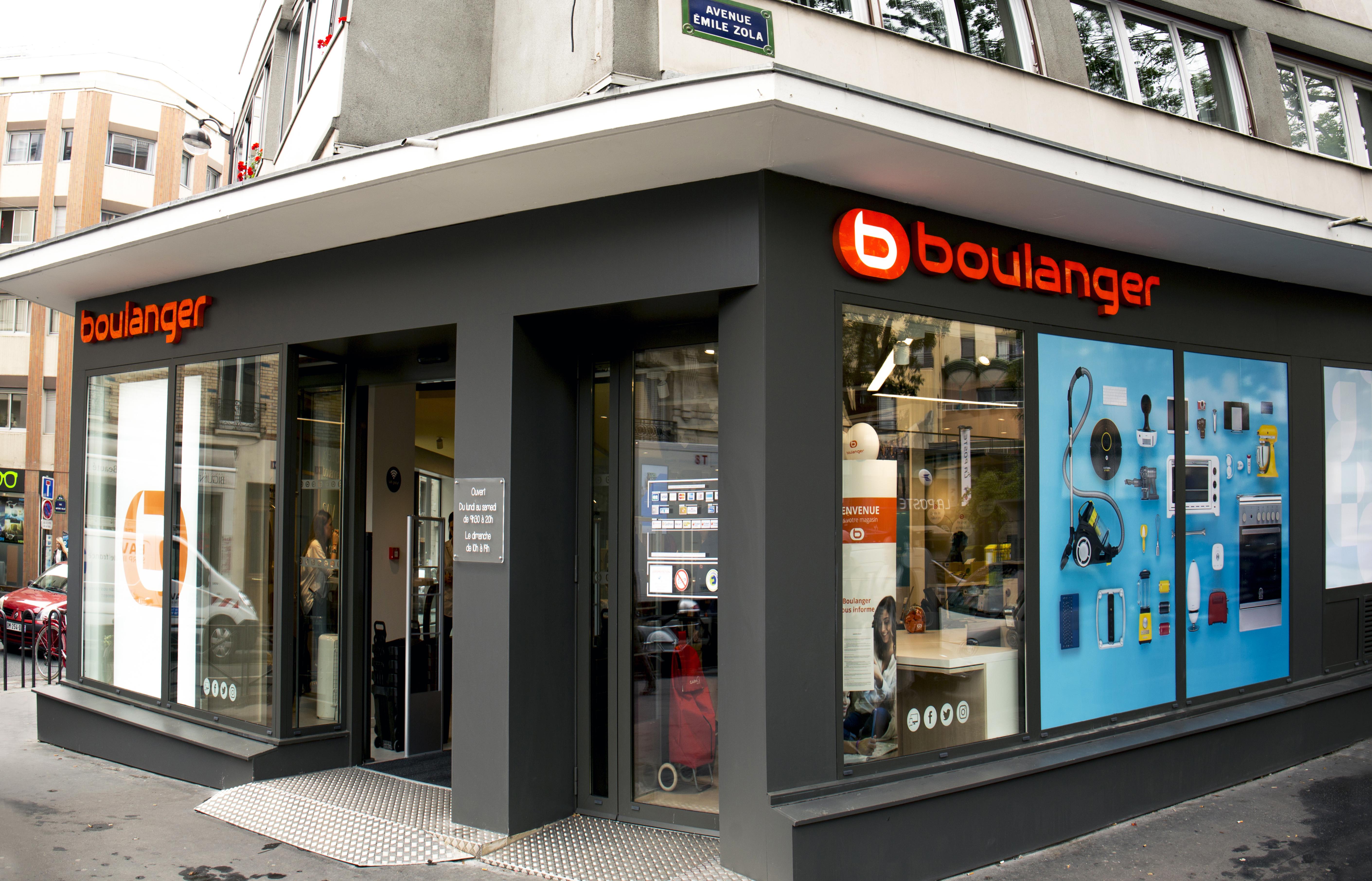 La boutique bien située à l'intersection de deux rues majeures proches de Beaugrenelle