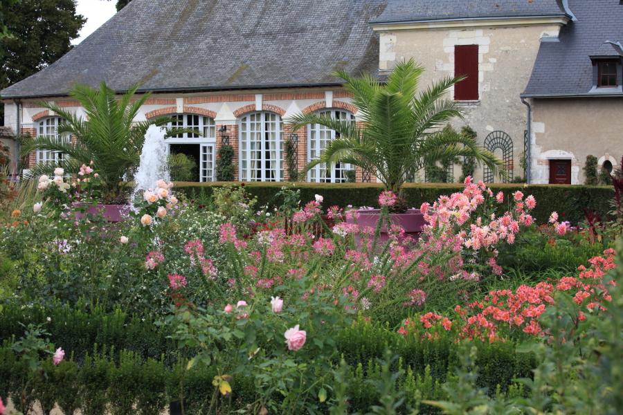 Vue sur le jardin bouquetier du château