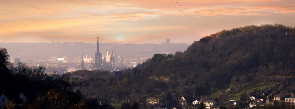 Vue globale sur Rouen et la cathédrale gothique
