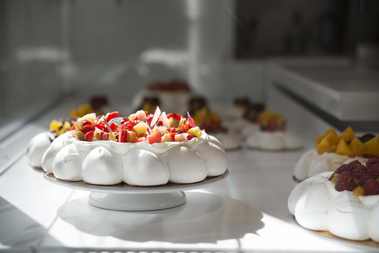 Fruits et meringues pour une Pavlova revisitée