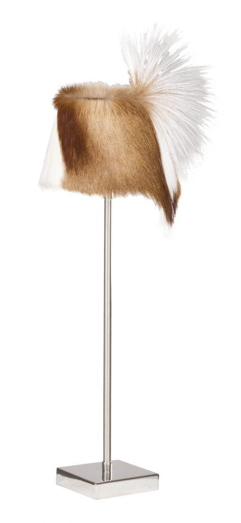 Lampe Amabo avec son abat jour en poil de springbok (385 €)